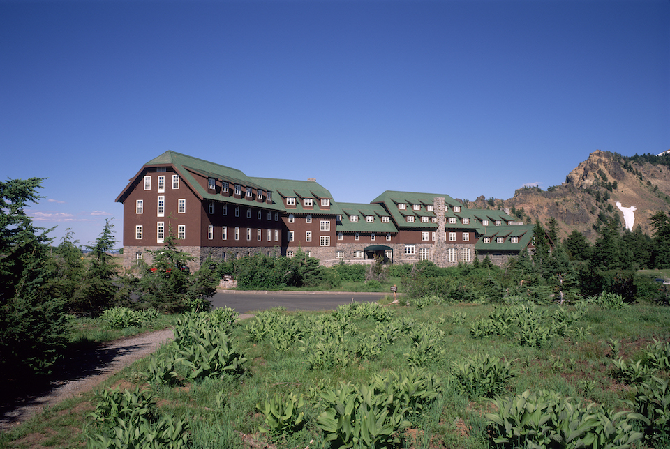 crater lake lodge, circle of discovery, southern oregon