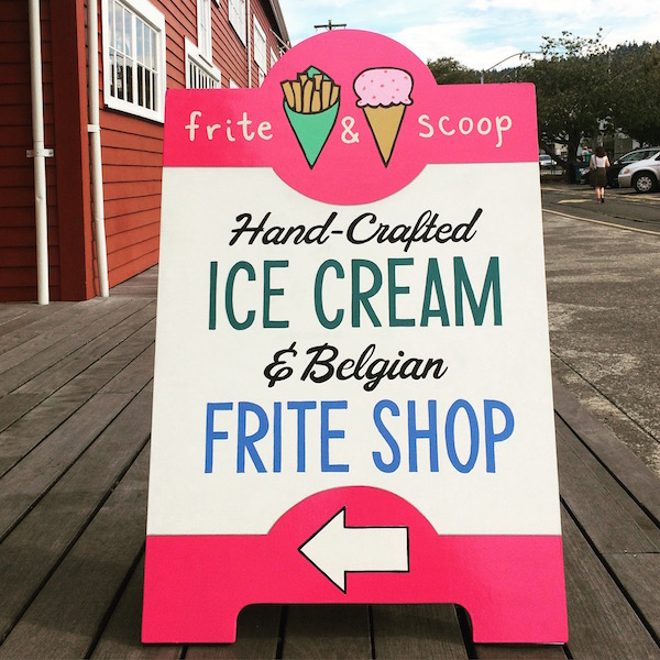 frite and scoop