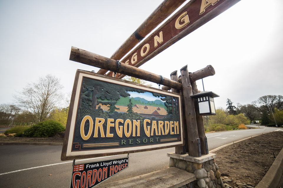 Oregon Garden Resort Entrance