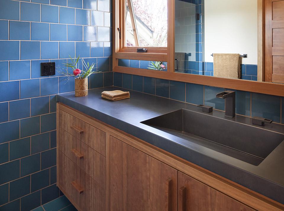 Howells architecture design transforms a north portland bathroom 1859 oregon 39 s magazine for Bathroom designers portland oregon