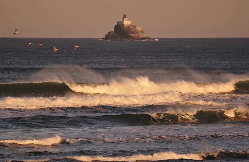 Tillamook Rock Lighthouse Cannon Beach Oregon photo by Christian Heeb