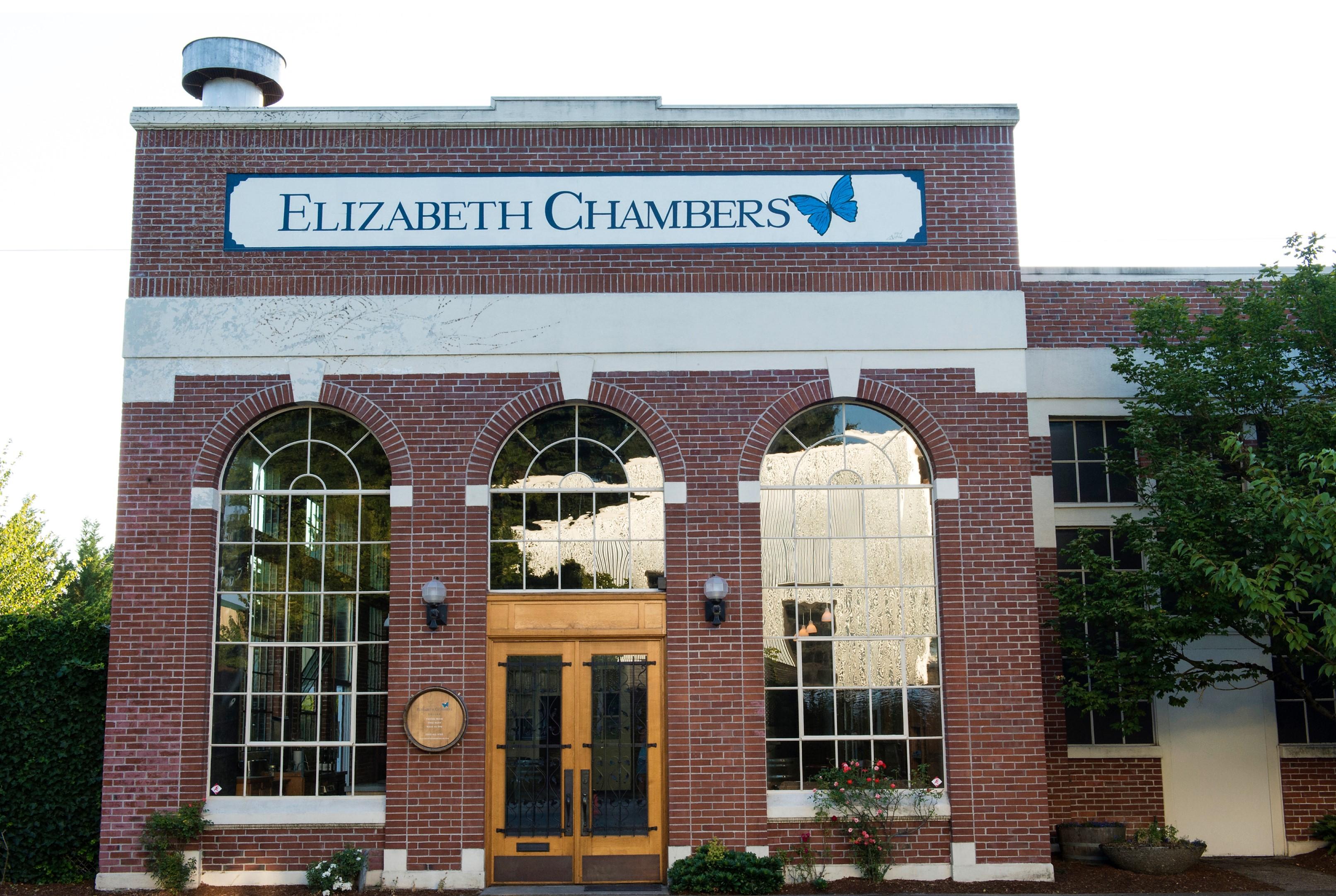 Elizabeth-Chamber-Cellar_front-of-buliding
